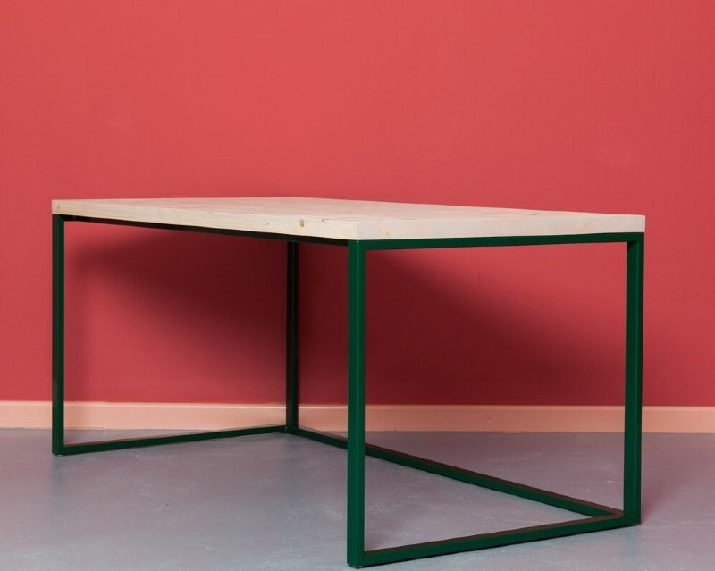 MAASTRICHT Writing Desk in Recycled Wood and Steel by Johanenlies