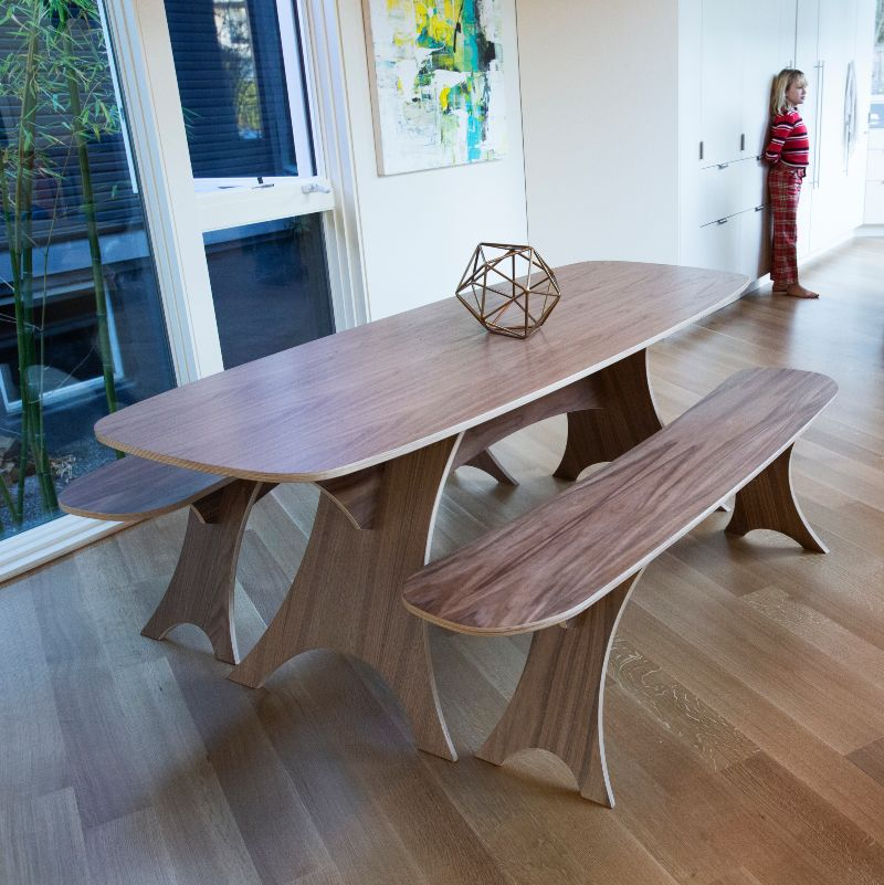 Simbly eco-friendly dining table
