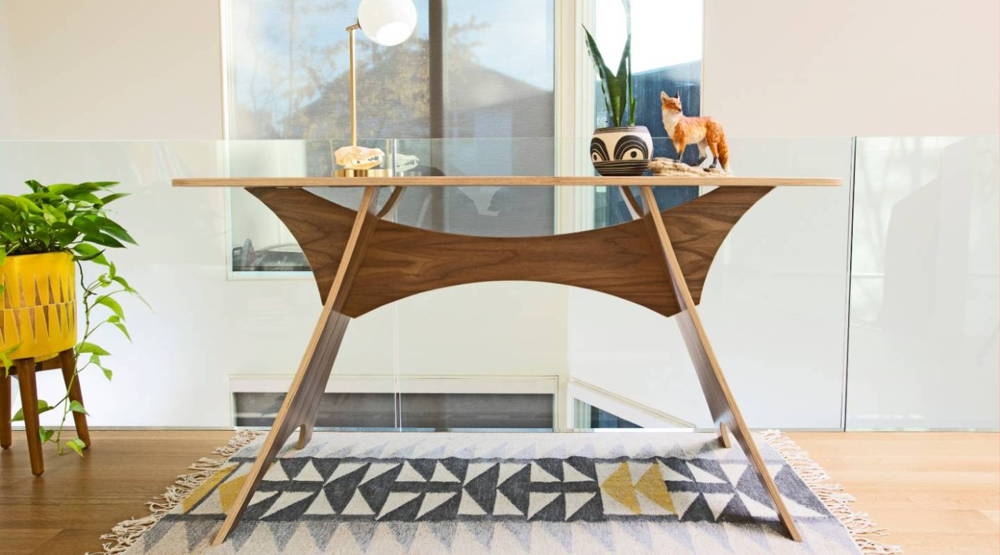 Simbly sustainable table desk FSC wood